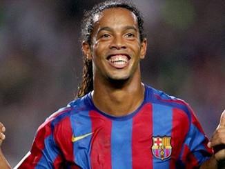 Ronaldinho Ingin Bermain Sepakbola Lagi